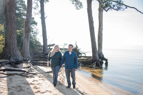 7Erin-and-Dylan-Noland-Trail-Newport-News-Engagement-Session