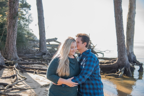 38Erin-and-Dylan-Noland-Trail-Newport-News-Engagement-Session