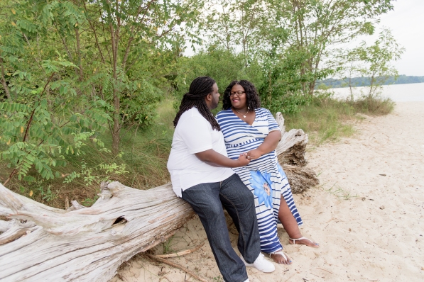 Maternity_Session_Yorktown_Beach_Yorktown_Virginia_Belle_Eve_Photography-127
