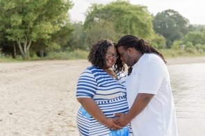 Maternity_Session_Yorktown_Beach_Yorktown_Virginia_Belle_Eve_Photography-19