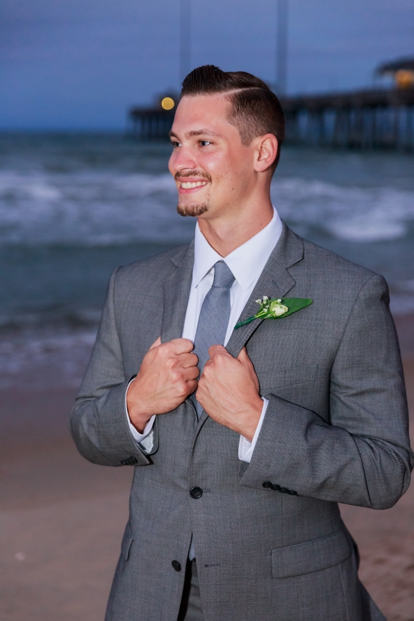 Teal_and_Grey_Wedding_Jennettes_Pier_Nags_Head_North_Carolina_Belle_Eve_Photography-206