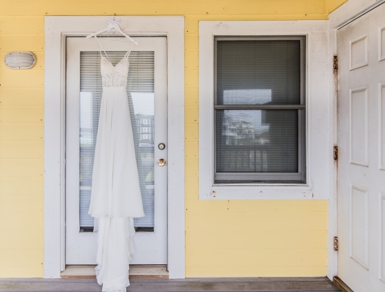 Teal_and_Grey_Wedding_Jennettes_Pier_Nags_Head_North_Carolina_Belle_Eve_Photography-31