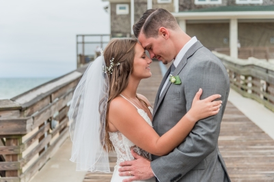 Teal_and_Grey_Wedding_Jennettes_Pier_Nags_Head_North_Carolina_Belle_Eve_Photography-49